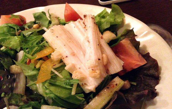 山芋と松の実のサラダ